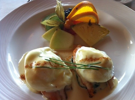 Food Travelist Poached Eggs a la Florentine Auberge 3 Canards