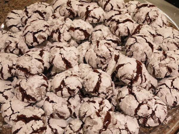 Quick Chocolate Crinkle Cookies Recipe