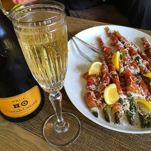 contadi-castaldi-sparkling-italian-wine-food-travelist