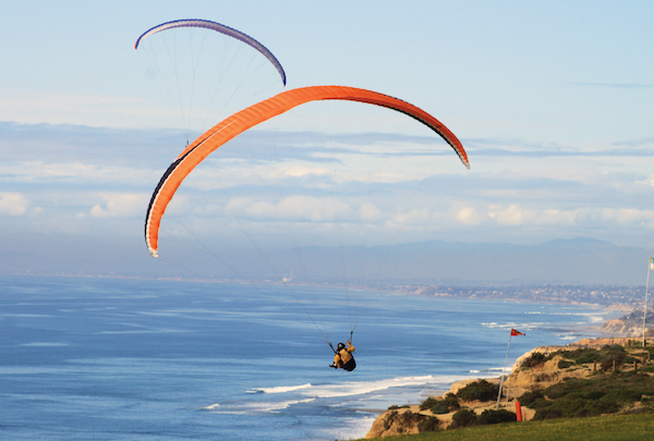 Torrey Pines hang gliders -Courtesy SanDiego.org