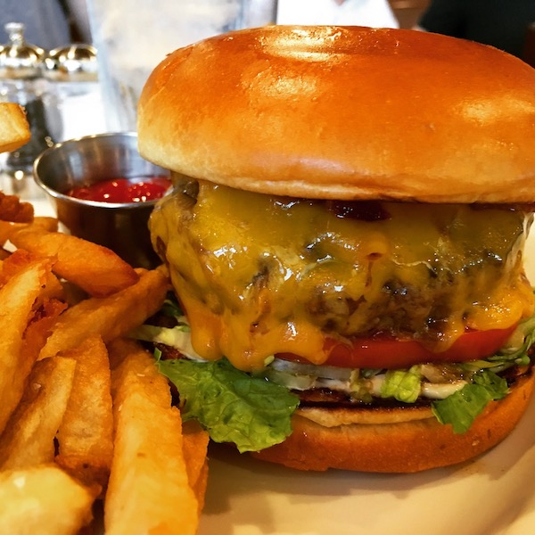 Ditkas Steakhouse Cheeseburger