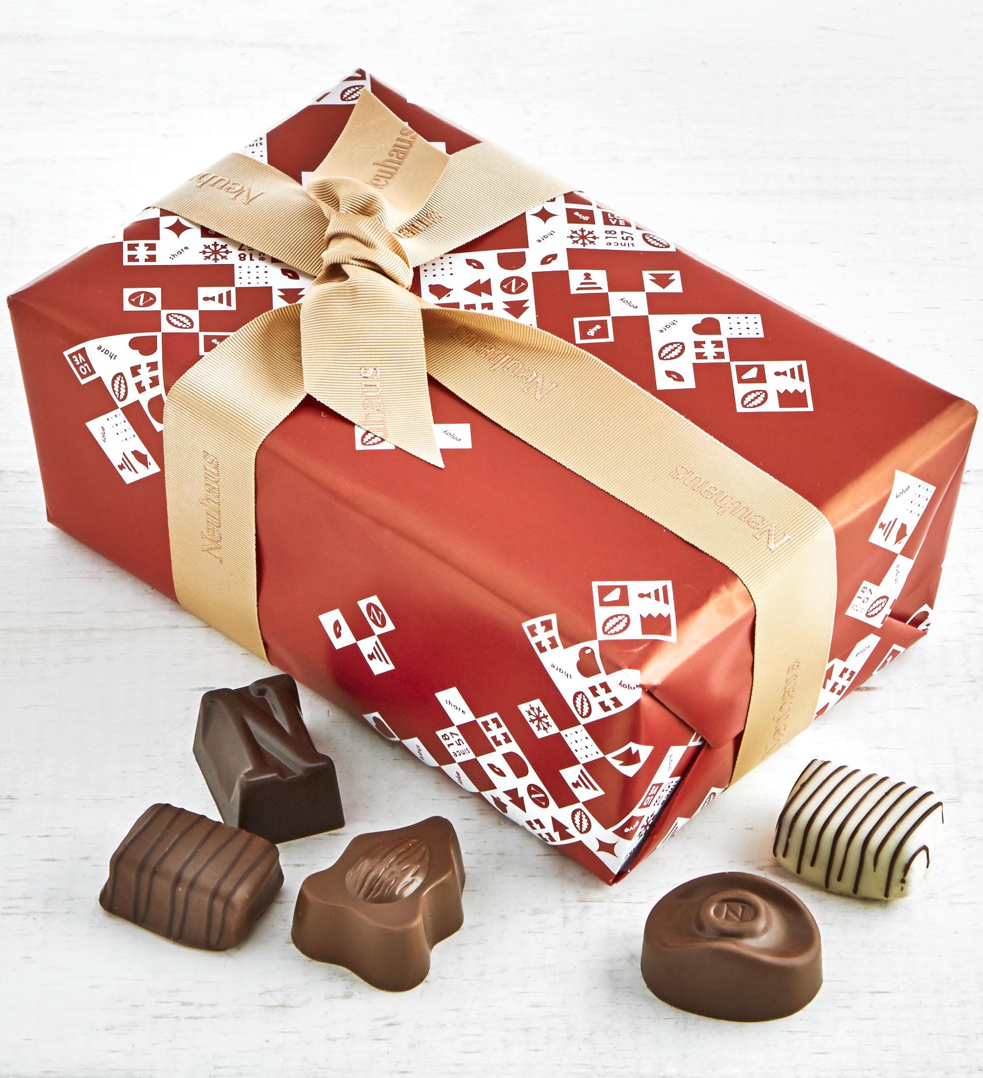 SC_Neuhaus Holiday Belgian Chocolate Ballotin 17 pc